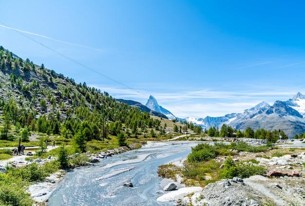 Vista del picco del cervino a zermatt, in svizzera.