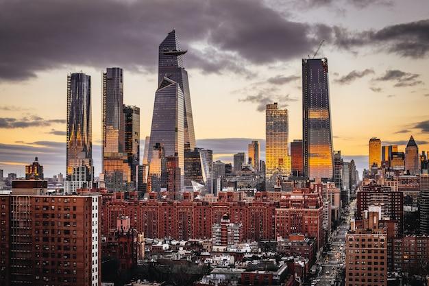 Vista del tramonto dall'ufficio di google a chelsea, new york.