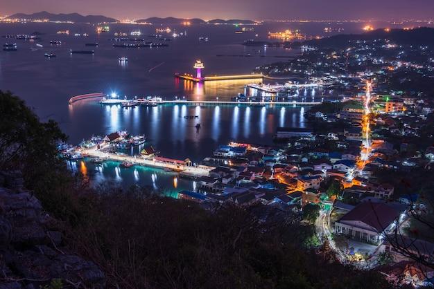 Vista dell'isola di sichang, bello paesaggio, paesaggio tailandia, viaggio tailandia, koh sichang thailand