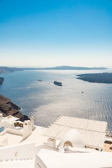 Vista della caldera di santorini in grecia dalla costa