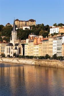 Vista della città di lione il giorno soleggiato, francia