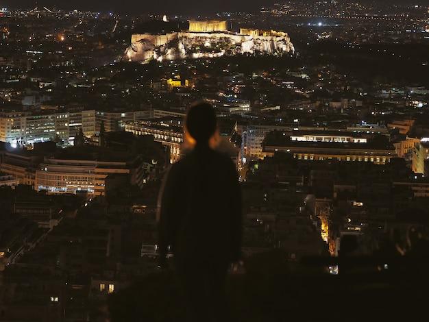 Vista della notte acropoli, atene; grecia.