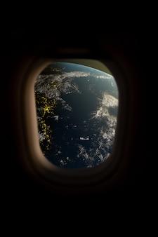 Vista della terra dalla finestra dell'astronave