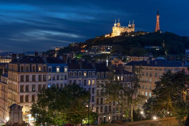 Vista di lione di notte, francia