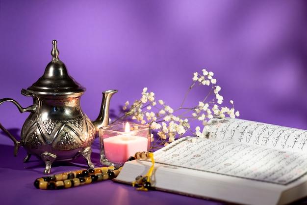 Vista frontale arragement arabo spirituale