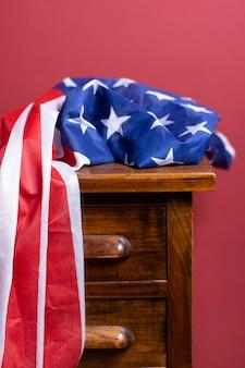 Vista frontale bandiera usa sul cassetto