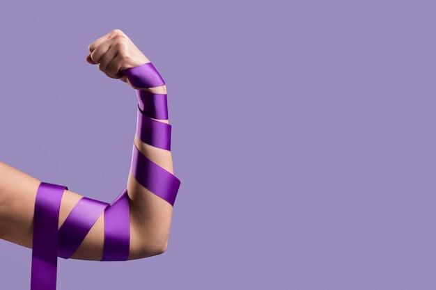 Vista frontale del braccio flettente con spazio di copia e nastro