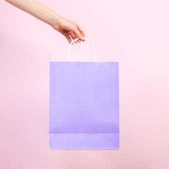 Vista frontale del sacco di carta pastello