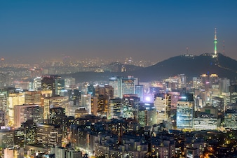 Vista notturna di Seoul Paesaggio urbano del centro