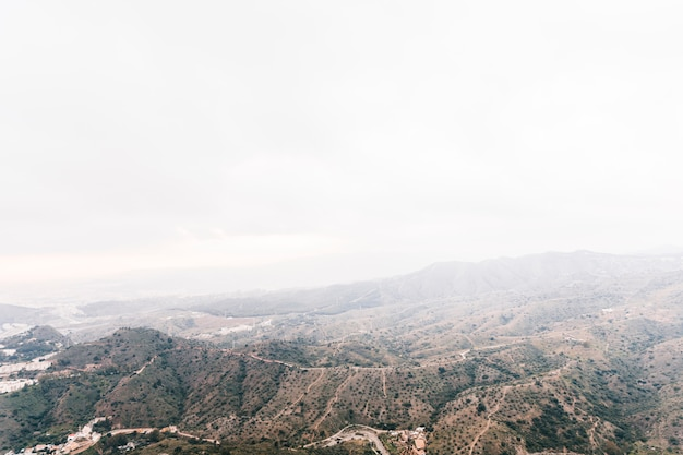 Vista panoramica del paesaggio montano