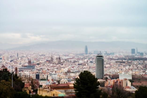 Vista panoramica del pittoresco paesaggio urbano di barcellona, in spagna