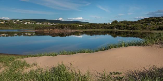 Vista panoramica di inverness beach, mabou, isola di cape breton, nova scotia, canada