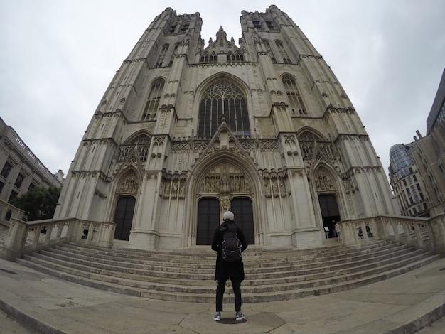 Vista posteriore della cattedrale di bruxelles. paese europeo belgio