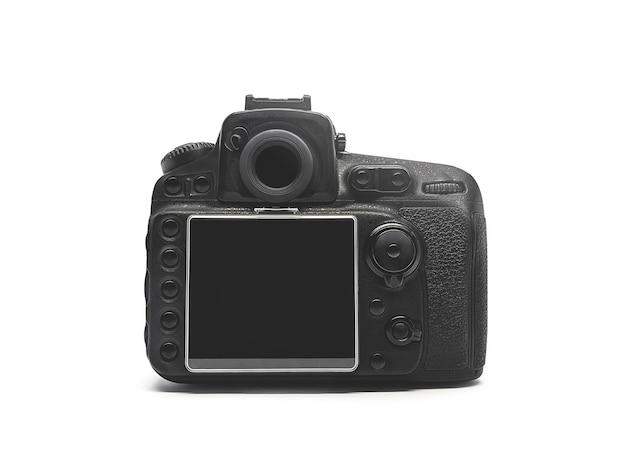 Vista posteriore di una fotocamera digitale nera isolata su uno sfondo bianco.