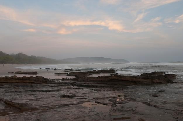 Vista sul mare con afterglow a san jose costa rica