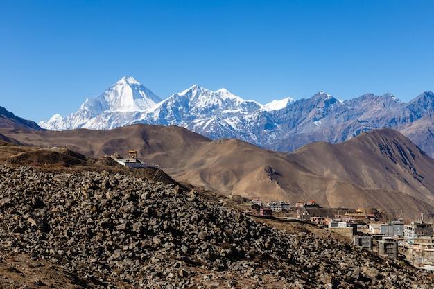 Vista sul villaggio di ranipauwa vicino a muktinath