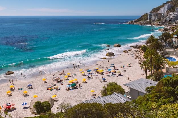 Vista sulla spiaggia di clifton - il luogo più costoso e lussuoso del sudafrica
