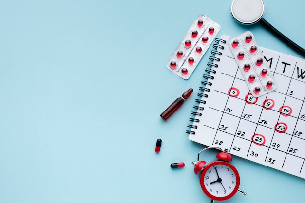 Vista superiore del calendario di cure mediche