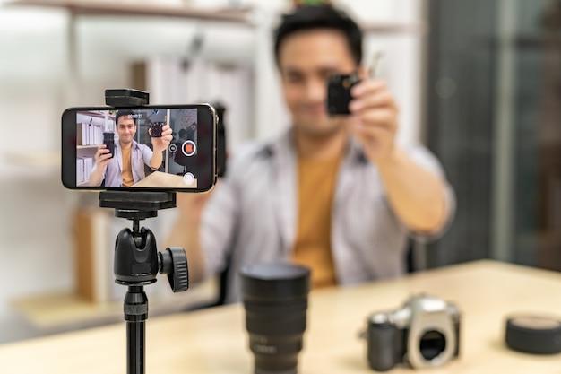 Vlogger prodotto it dal vivo