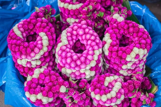 Volante fresco del fiore al mercato di strada in tailandia.