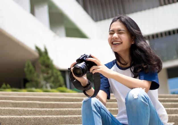 Volto di adolescenti asiatici piace scattare foto
