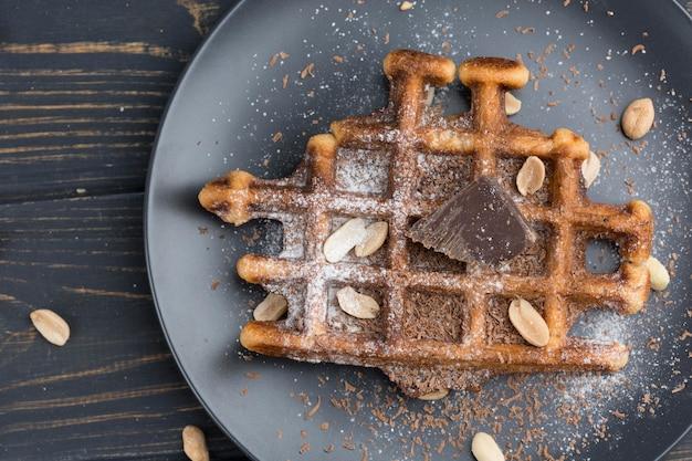 Waffle vista dall'alto sul piatto