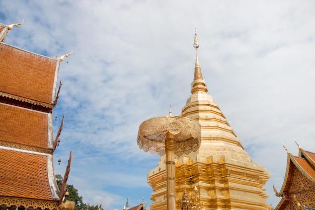 Wat phra that doi suthep a chiang mai, thailandia.