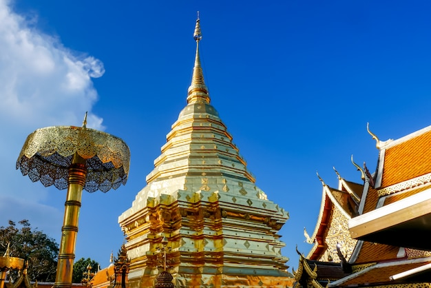 Wat phra that doi suthep è un'attrazione turistica di chiang mai, tailandia.