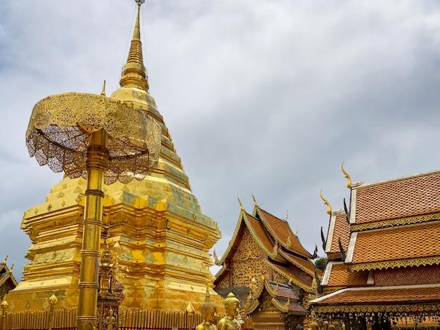 Wat phra that doi suthep è un tempio buddista e un'attrazione turistica a chiang mai, tailandia