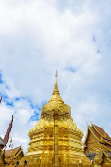 Wat phra that doi suthep il tempio è una importante attrazione turistica di riferimento a chiang mai