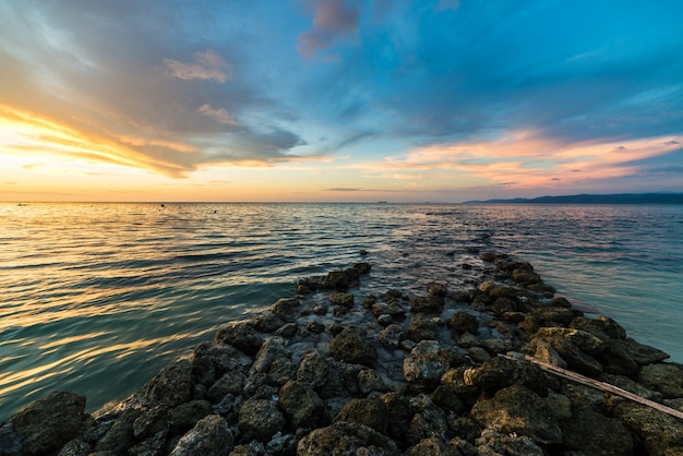 Waterbreak pietra al tramonto