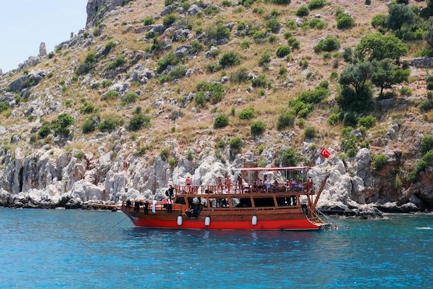 Yacht meravigliosi nella baia. tacchino.