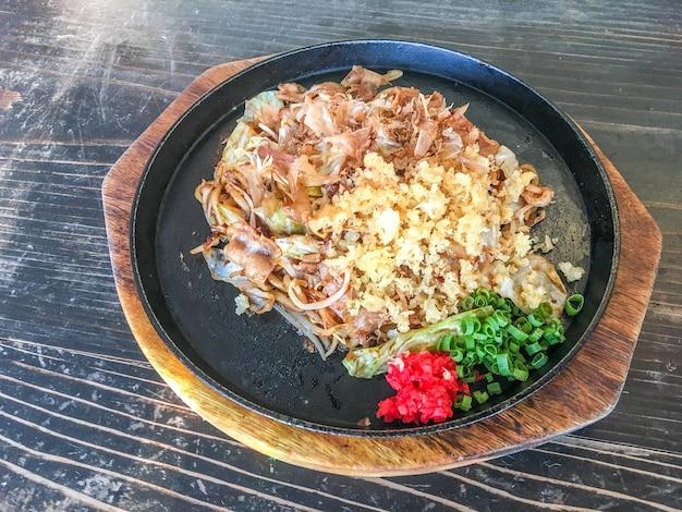 Yakisoba con carne di maiale