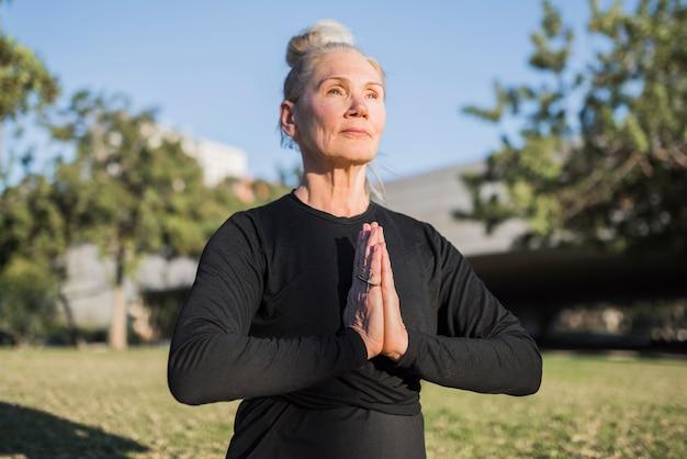 Yoga all'aperto