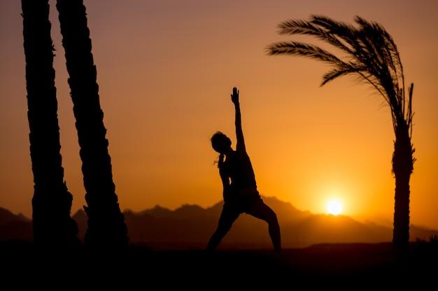Yoga viparita virabhadrasana
