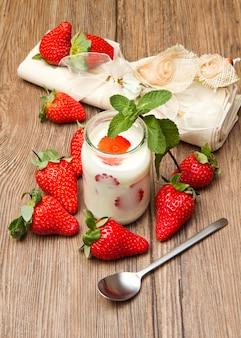 Yogurt con fragole