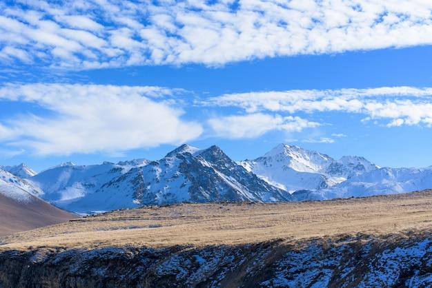 Zona di montagna del caucaso.