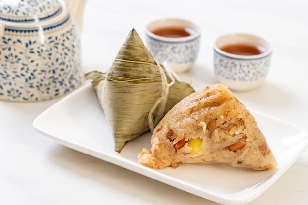 Zongzi o gnocchi di riso appiccicoso del cinese tradizionale