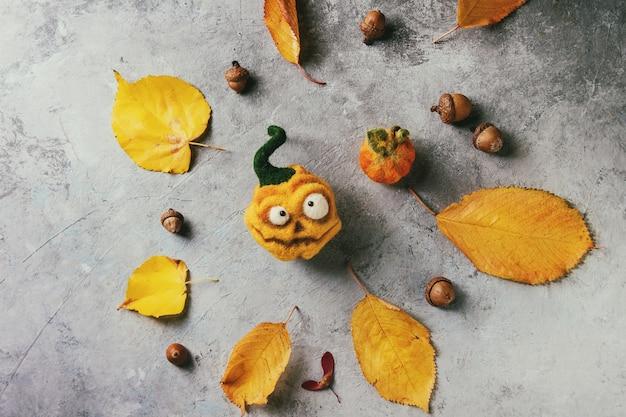 Zucca ad ago in feltro di halloween
