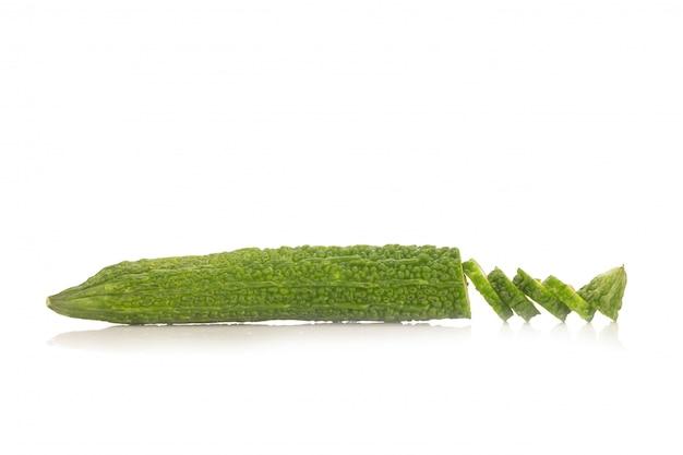 Zucca amara isolata su fondo bianco