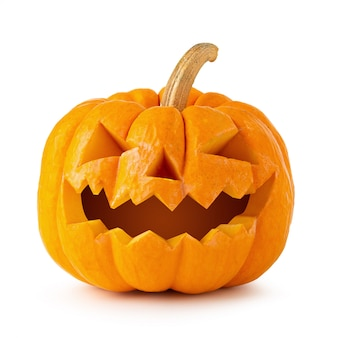 Zucca di halloween isolata su una priorità bassa bianca