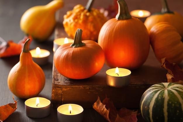 Zucche e candele di halloween