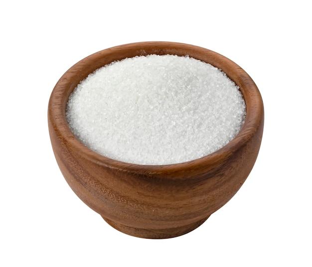 Zucchero in ciotola di legno isolata