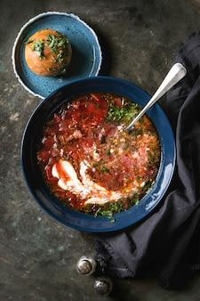 Zuppa di borsch tradizionale
