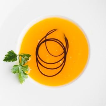 Zuppa di crema vegetale vista dall'alto