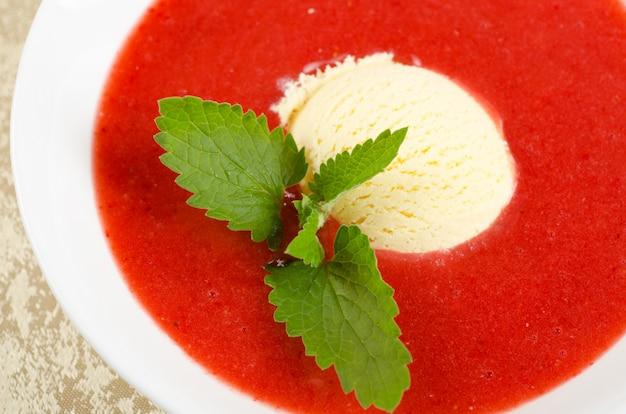 Zuppa di fragole