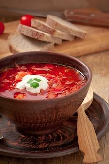 Zuppa di pomodoro borsch rosso