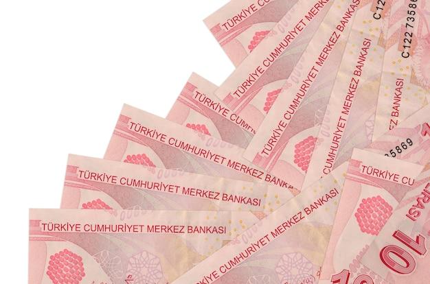 10 notas de liras turcas estão em ordem diferente, isoladas no branco