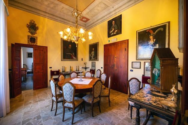 12 de outubro de 2018. interior dentro da villa graziani, perto da cidade de vada, na região da toscana.