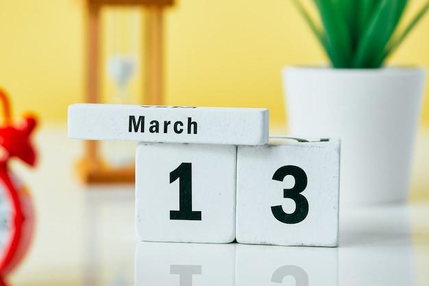 13, décimo terceiro dia de março do calendário do mês da primavera.